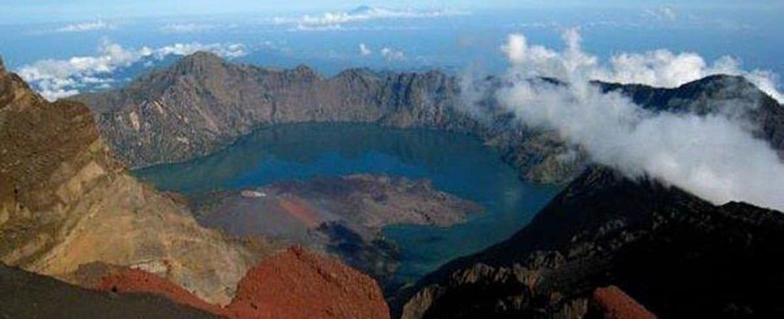 Mount Rinjani hiking package